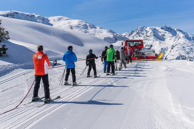 Galtür ligt in het achterste deel van het Paznaun in het westen van Tirol en maakt deel uit van het overkoepelende Silvretta Region. Het skigebied van Galtür bestaat uit 40 kilometer pistes, waarvan 6 makkelijk, 24 gemiddeld en 10 moeilijk.