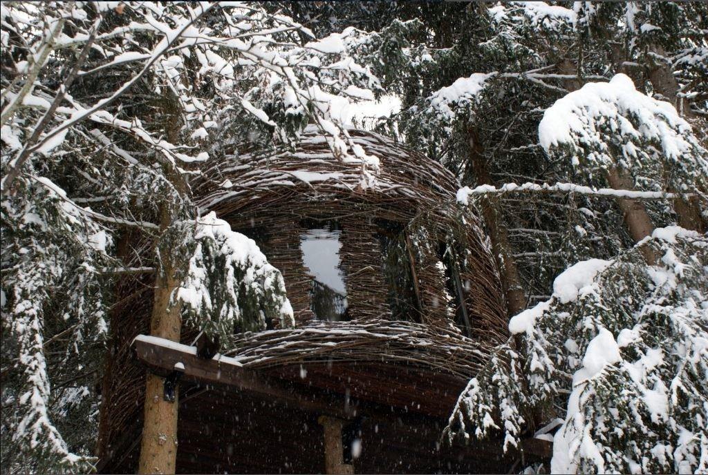 Slapen in je eigen vogelnestje bij de Cabanes Entre Terre et Ciel in Saint Nicolas de Chapelle