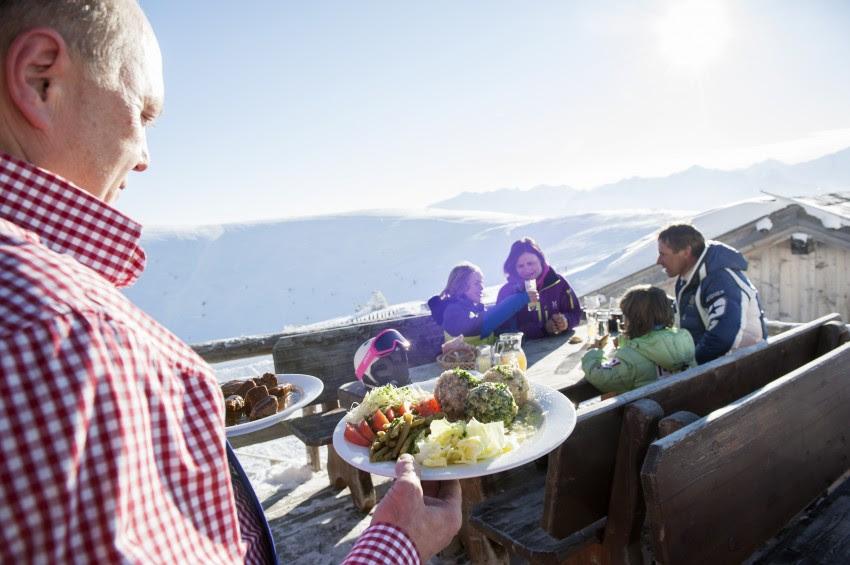 De heerlijke Zuid-Tiroolse keuken bevat traditionele lekkernijen zoals zoete en hartige knödels.