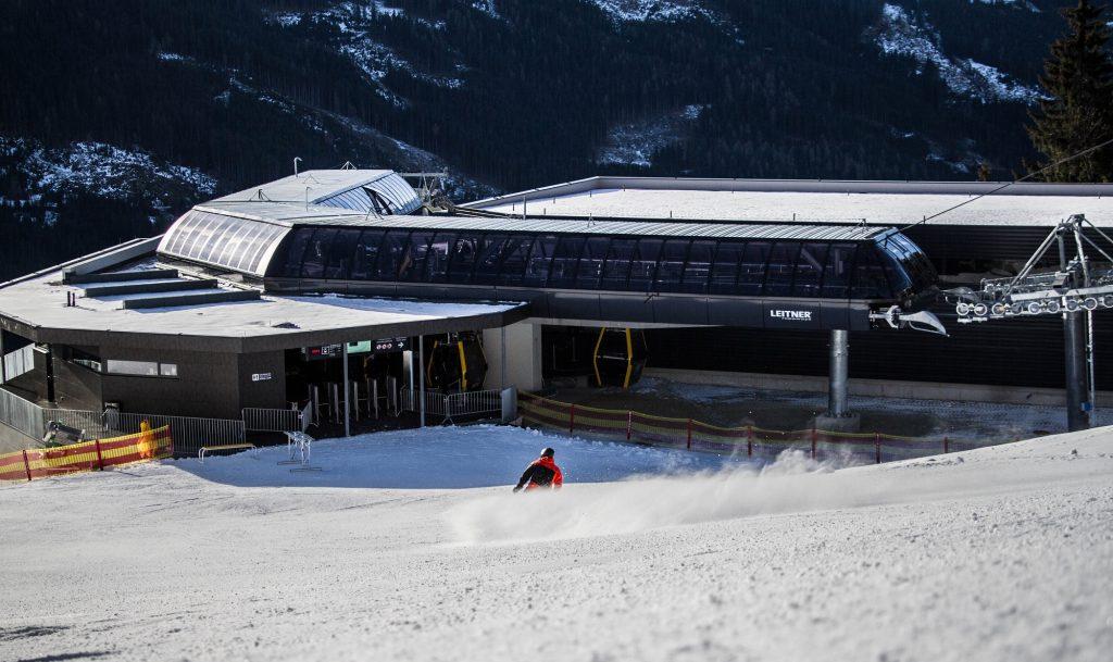 Het middelstation van de nieuwe Dorfbahn